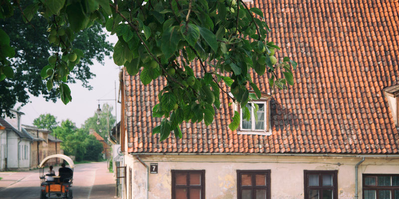 Ремонт крыши частного дома - стоимость работ и расценки