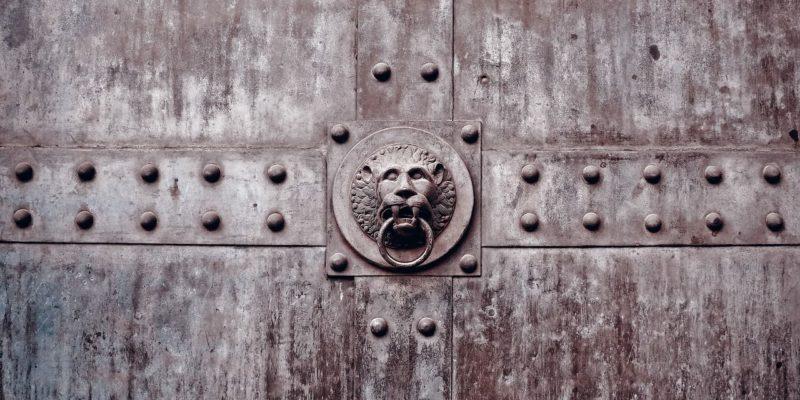 утепление входной двери, фото