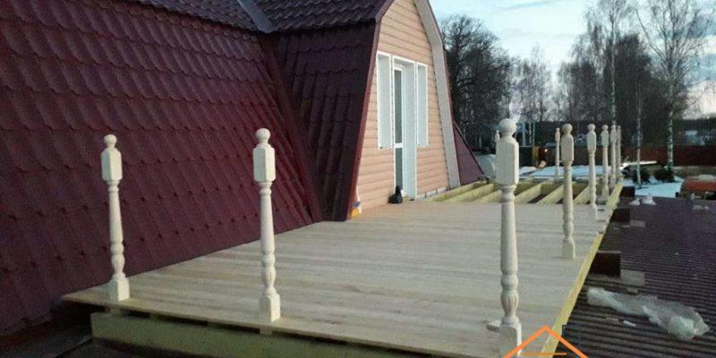 Строительство пристройки и балкона, облицовка дома сайдингом