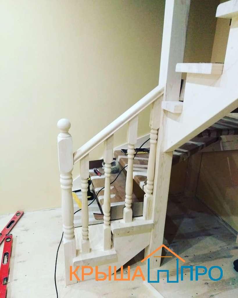 Монтаж лестницы в дачном доме, фото