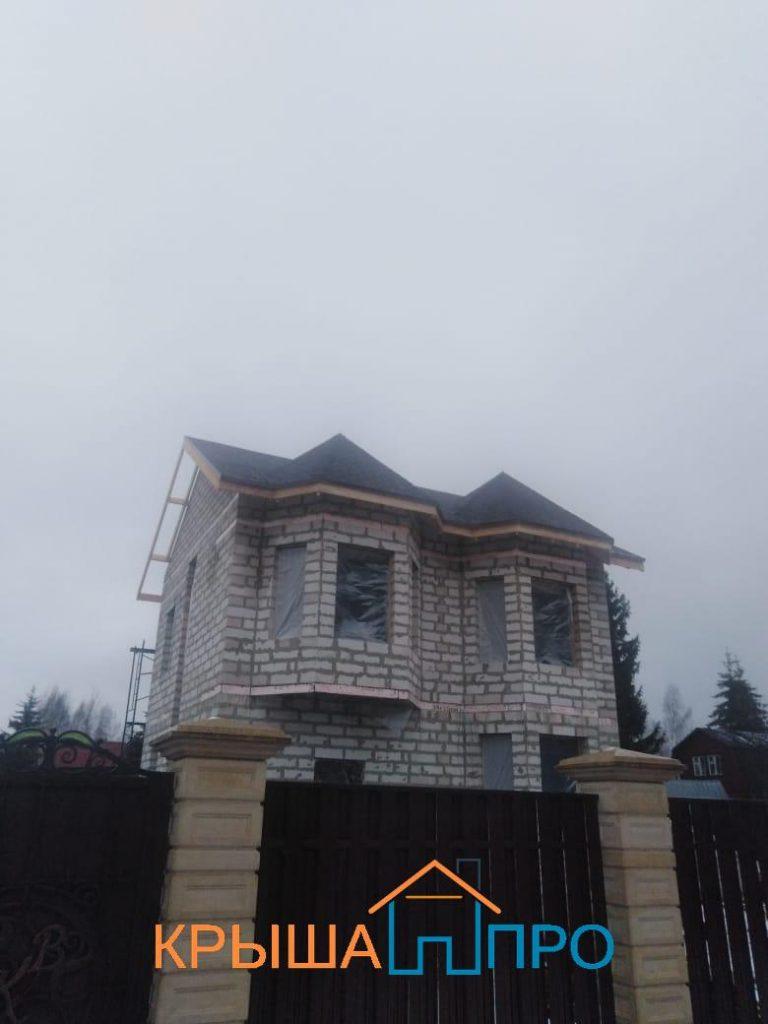 Объект № 102. Монтаж кровельного пирога с нуля с гибкой черепицей и мансардными окнами, фото портфолио